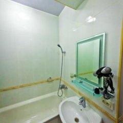 Отель Golden Dragon ApartHotel Кыргызстан, Бишкек - 1 отзыв об отеле, цены и фото номеров - забронировать отель Golden Dragon ApartHotel онлайн ванная фото 2