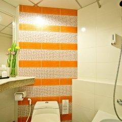 Отель Bella Express Таиланд, Паттайя - 7 отзывов об отеле, цены и фото номеров - забронировать отель Bella Express онлайн ванная