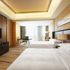 Отель Four Points by Sheraton Langfang, Guan комната для гостей фото 3
