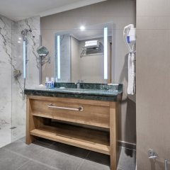 Отель La Blanche Island Bodrum - All Inclusive ванная фото 2