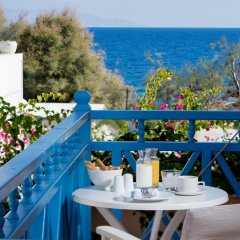 Отель Sea Side Beach Hotel Греция, Остров Санторини - отзывы, цены и фото номеров - забронировать отель Sea Side Beach Hotel онлайн балкон