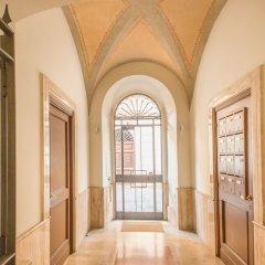 Апартаменты Elegant Apartment Behind The Colosseum Рим интерьер отеля