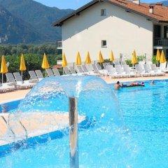 Отель Residence Isolino Италия, Вербания - отзывы, цены и фото номеров - забронировать отель Residence Isolino онлайн бассейн фото 2