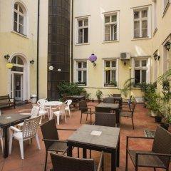 Отель Marco Polo Top Hostel Венгрия, Будапешт - 14 отзывов об отеле, цены и фото номеров - забронировать отель Marco Polo Top Hostel онлайн питание фото 2