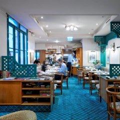 Hotel Pension Baronesse гостиничный бар