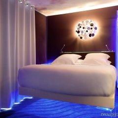 Seven Hotel Paris сейф в номере