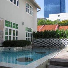 New Majestic Hotel бассейн