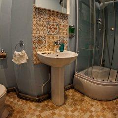 Гостиница Room-complex Kazanskaya в Санкт-Петербурге отзывы, цены и фото номеров - забронировать гостиницу Room-complex Kazanskaya онлайн Санкт-Петербург ванная
