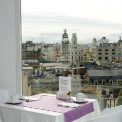 Отель Petit Palace Plaza de la Reina Валенсия комната для гостей фото 5
