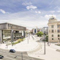 Отель Occidental Praha Wilson парковка