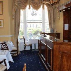 Отель Royal Pavillion Townhouse Hotel Великобритания, Брайтон - отзывы, цены и фото номеров - забронировать отель Royal Pavillion Townhouse Hotel онлайн гостиничный бар