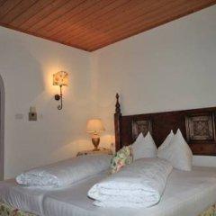 Отель Haus Maria Силандро сейф в номере