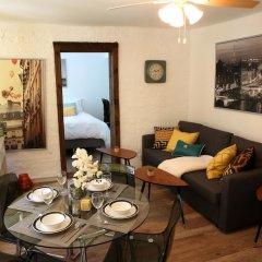 Отель NY079 1 Bedroom Apartment By Senstay США, Нью-Йорк - отзывы, цены и фото номеров - забронировать отель NY079 1 Bedroom Apartment By Senstay онлайн комната для гостей фото 4