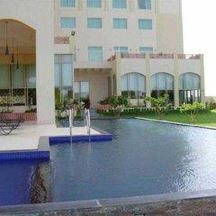 Hotel Jaipur Greens бассейн фото 3