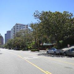Отель Hilgard House Westwood Village парковка