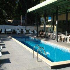 Tsarevets Hotel бассейн