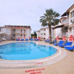 Karbel Beach Hotel бассейн