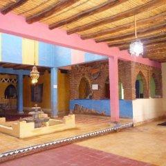Отель Riad Les Flamants Roses Марокко, Мерзуга - отзывы, цены и фото номеров - забронировать отель Riad Les Flamants Roses онлайн интерьер отеля фото 3