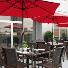 Отель Hilton Vancouver Metrotown Канада, Бурнаби - отзывы, цены и фото номеров - забронировать отель Hilton Vancouver Metrotown онлайн бассейн фото 3