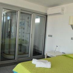 Отель Pambos Napa Rocks Hotel - Adults Only Кипр, Айя-Напа - 13 отзывов об отеле, цены и фото номеров - забронировать отель Pambos Napa Rocks Hotel - Adults Only онлайн балкон