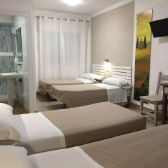 Отель Hostal Puerto Beach Испания, Мотрил - отзывы, цены и фото номеров - забронировать отель Hostal Puerto Beach онлайн комната для гостей фото 3