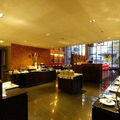 Отель Page 10 Hotel & Restaurant Таиланд, Паттайя - отзывы, цены и фото номеров - забронировать отель Page 10 Hotel & Restaurant онлайн питание фото 2