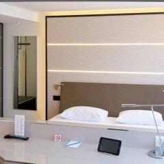 Отель St. Josef Цюрих сейф в номере