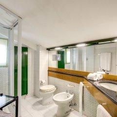 Отель La Gaura Guest House Италия, Казаль Палоччо - отзывы, цены и фото номеров - забронировать отель La Gaura Guest House онлайн ванная фото 2