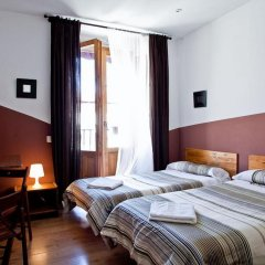 Отель Hostal Abaaly комната для гостей фото 4