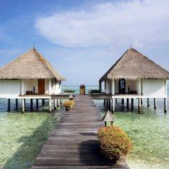 Отель Gangehi Island Resort 4* Вилла с различными типами кроватей фото 7