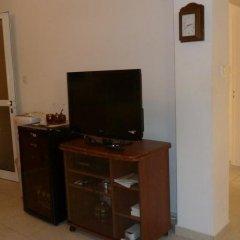 Отель Valentinos Villa Кипр, Протарас - отзывы, цены и фото номеров - забронировать отель Valentinos Villa онлайн удобства в номере