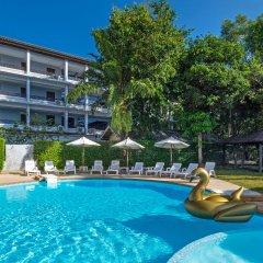 Отель Srisuksant Resort бассейн