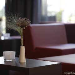 Отель Intercityhotel Berlin-Brandenburg Airport интерьер отеля