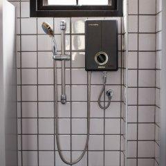Issara by d Hostel ванная