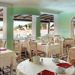 Отель Grand Hotel Smeraldo Beach Италия, Байя-Сардиния - 1 отзыв об отеле, цены и фото номеров - забронировать отель Grand Hotel Smeraldo Beach онлайн питание фото 2