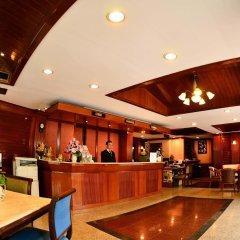 Отель Silom Village Inn гостиничный бар