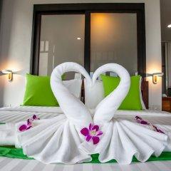 Отель Lanta Corner Resort сейф в номере