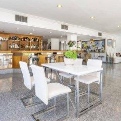 Отель Apartamentos Sa Torre Каньямель гостиничный бар
