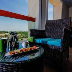 Отель Hili Rayhaan By Rotana ОАЭ, Эль-Айн - отзывы, цены и фото номеров - забронировать отель Hili Rayhaan By Rotana онлайн бассейн фото 2