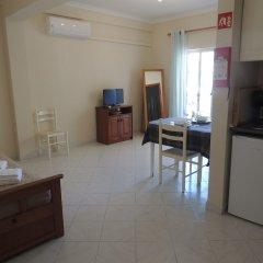 Отель Kiss - Apartamentos Turísticos в номере фото 2