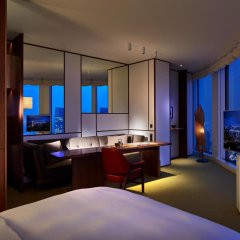 Отель Andaz Tokyo Toranomon Hills - a concept by Hyatt Япония, Токио - 1 отзыв об отеле, цены и фото номеров - забронировать отель Andaz Tokyo Toranomon Hills - a concept by Hyatt онлайн удобства в номере