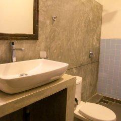 Отель Mamas Coral Beach Hotel & Restaurant Шри-Ланка, Хиккадува - отзывы, цены и фото номеров - забронировать отель Mamas Coral Beach Hotel & Restaurant онлайн ванная