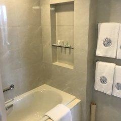 Отель COZi · Harbour View (Previously Newton Place Hotel ) Китай, Гонконг - отзывы, цены и фото номеров - забронировать отель COZi · Harbour View (Previously Newton Place Hotel ) онлайн ванная фото 2