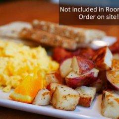 Отель Lodge @ Fortius Sport & Health Канада, Бурнаби - отзывы, цены и фото номеров - забронировать отель Lodge @ Fortius Sport & Health онлайн питание фото 2