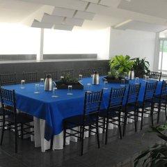 Отель Casa del Arbol Galerias Гондурас, Сан-Педро-Сула - отзывы, цены и фото номеров - забронировать отель Casa del Arbol Galerias онлайн питание