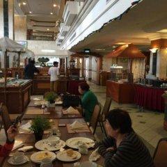 Mulia Hotel питание