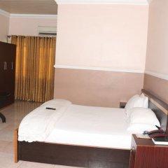Entry Point Hotel сейф в номере