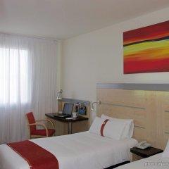 Отель Holiday Inn Express Barcelona City 22@ комната для гостей