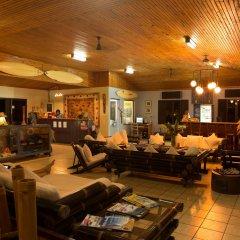 Отель Waidroka Bay Resort интерьер отеля