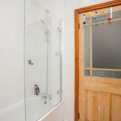 Отель 3 Bedroom Flat In Highbury Великобритания, Лондон - отзывы, цены и фото номеров - забронировать отель 3 Bedroom Flat In Highbury онлайн ванная